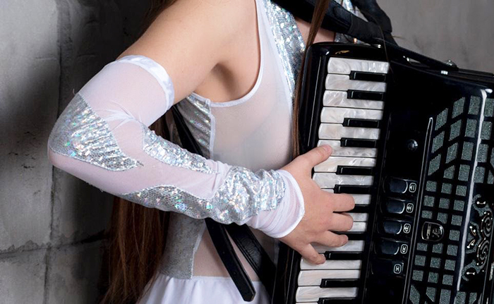 Elbow position on the accordion 1